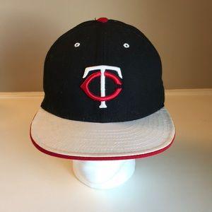 Minnesota twins baseball cap new 7 1/2 fitted